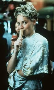 """Odtud pochází moje inspirace vějířem: """"Sharon Stone ve filmu Můza"""""""