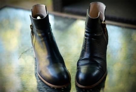 Rozdíl mezi botou vpravo a vlevo ...
